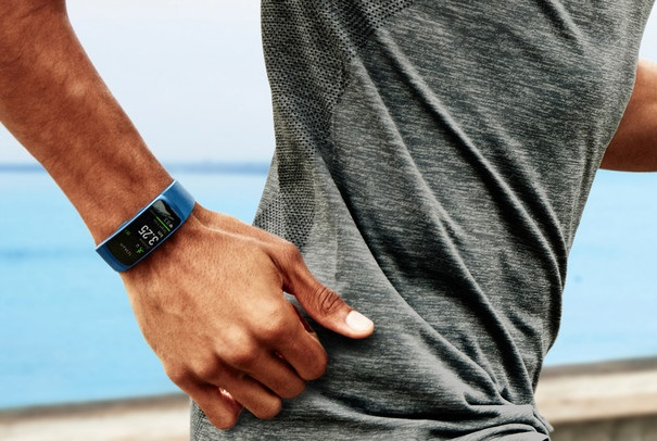 Samsung_Gear_Fit_2_official10.jpg