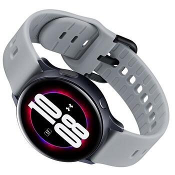 Samsung выпустит новые умные часы в титановом корпусе